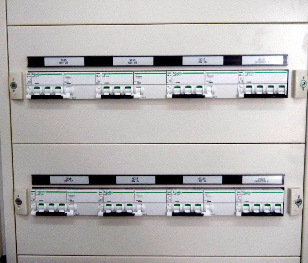 Progettazione realizzazione e gestione di impianti for Quadri per ufficio tecnico